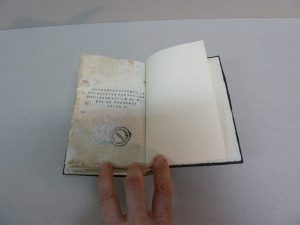 restauracion interior libro antiguo