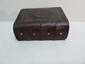 restauracion lomo libro antiguo